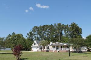447 Pooshee Plantation Way, Bonneau, SC 29431