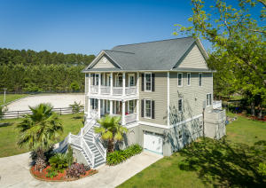 1389 Polly Point Road, Wadmalaw Island, SC 29487