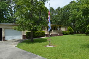 1041 Wild Rose Drive, Bonneau, SC 29431