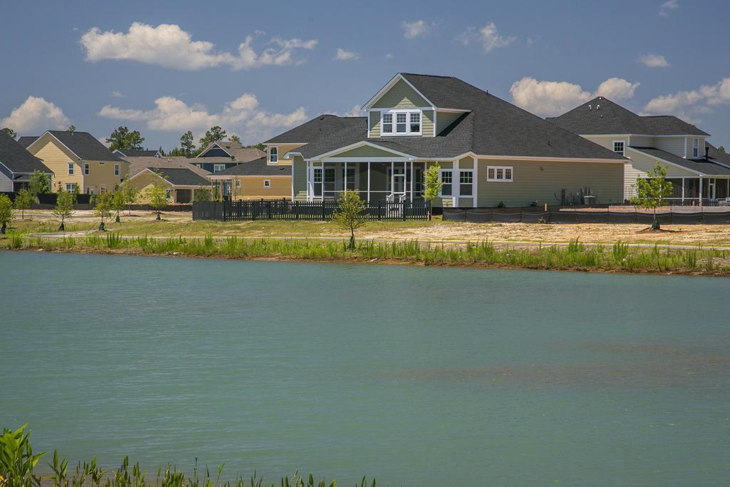 Photo of 129 Ashley Bluffs Rd, Summerville, SC 29485