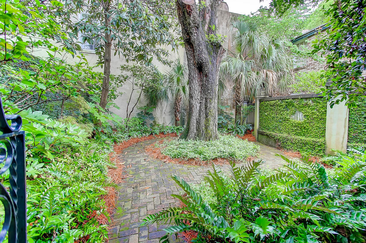 Home for sale 35 Tradd Street, South Of Broad, Downtown Charleston, SC