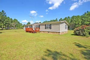 428 Collins Rd, Cross, SC 29436