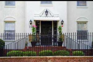 Home for Sale Logan , South Of Broad, Downtown Charleston, SC