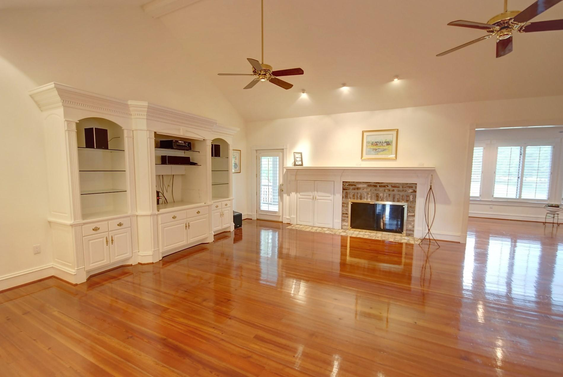 Home for sale 147 Lake Drive, Summerville, SC