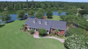 147 Lake Drive, Ridgeville, SC 29472