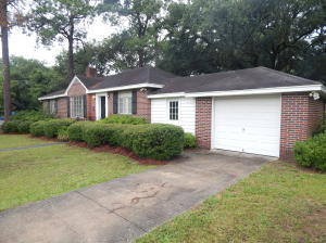 Photo of 1032 Cliffwood Drive, The Groves, Mount Pleasant, South Carolina