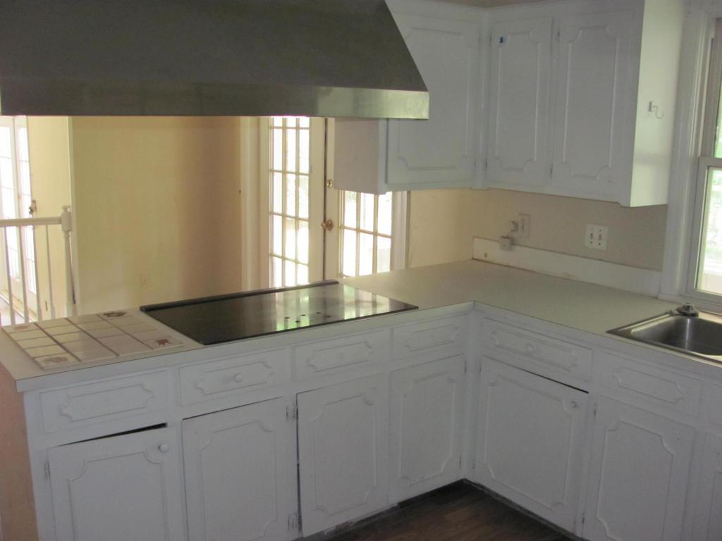 Kings Grant Homes For Sale - 102 Foxcroft, Summerville, SC - 8