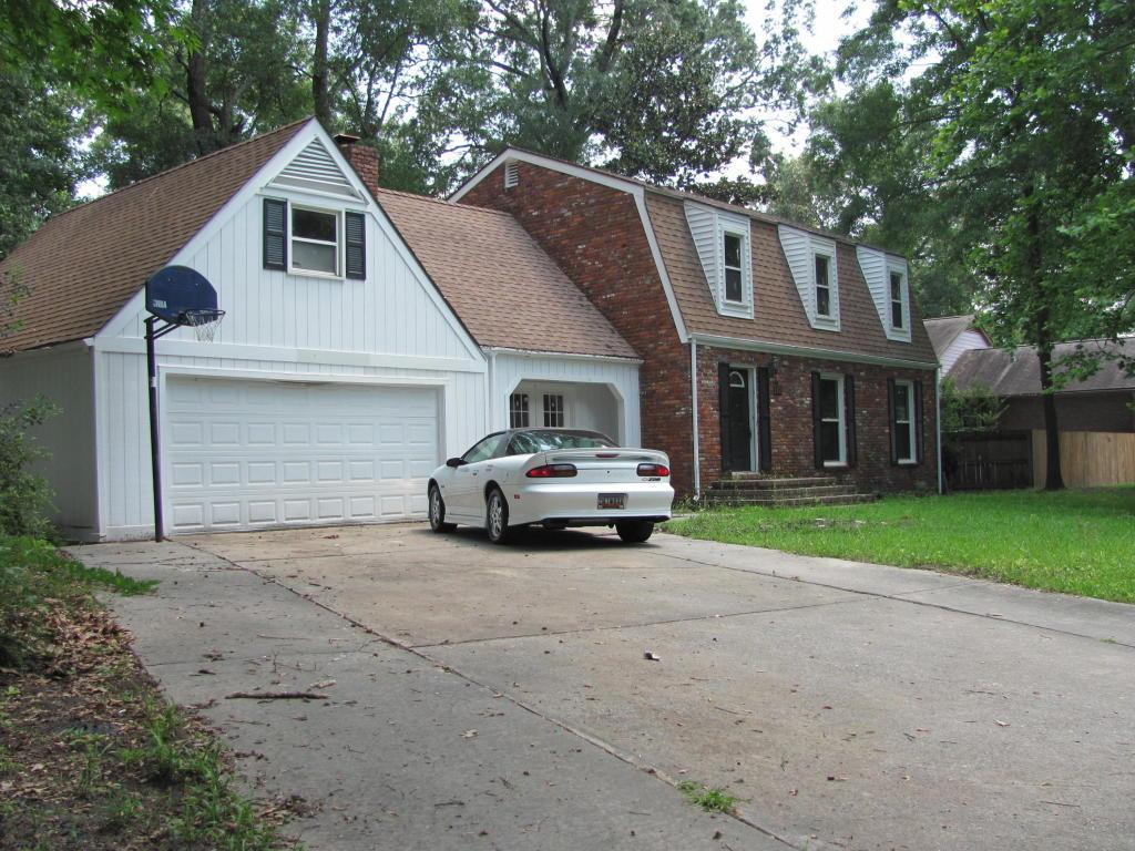 Kings Grant Homes For Sale - 102 Foxcroft, Summerville, SC - 1