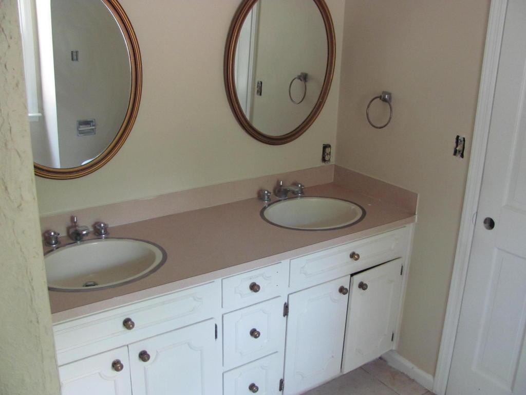 Kings Grant Homes For Sale - 102 Foxcroft, Summerville, SC - 11