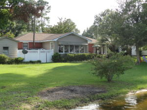 1081 Waters Edge Drive, Summerton, SC 29148