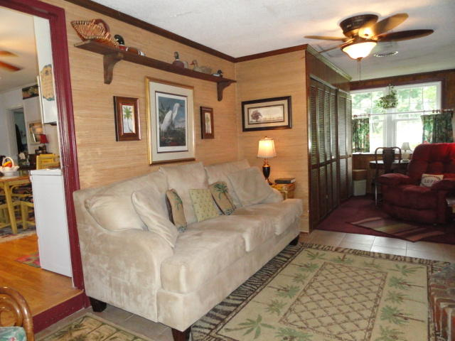 Photo of 1081 Waters Edge Dr, Summerton, SC 29148