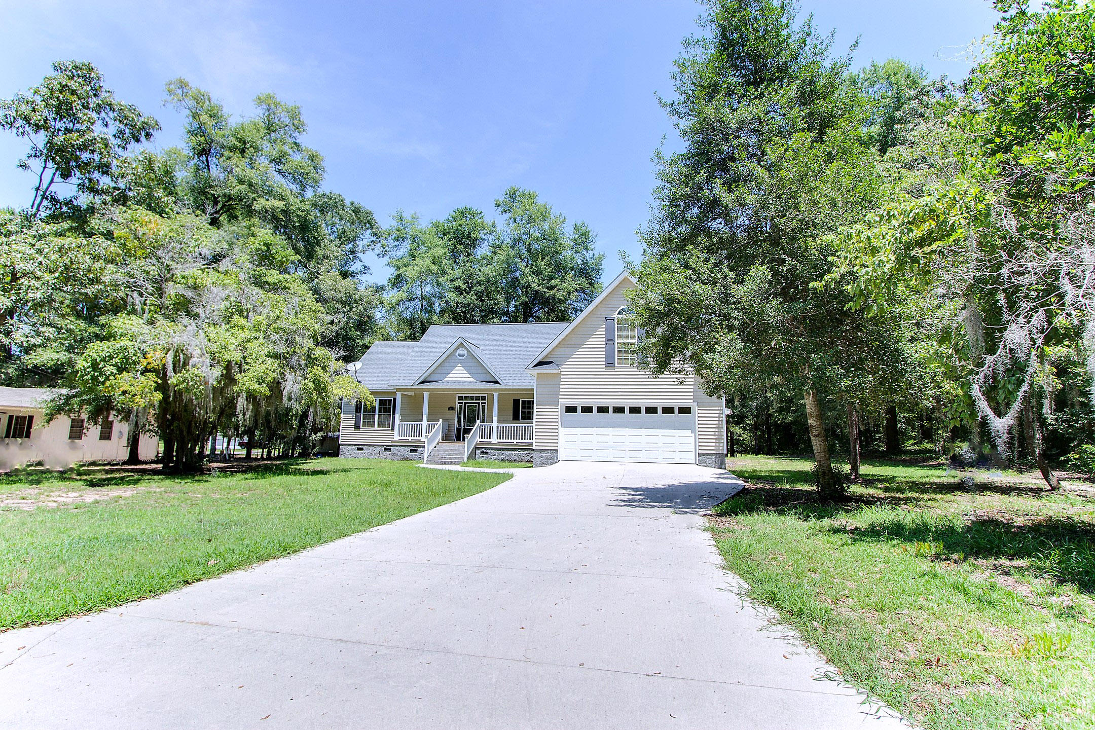 Photo of 1145 Double Pond Dr, Summerton, SC 29148