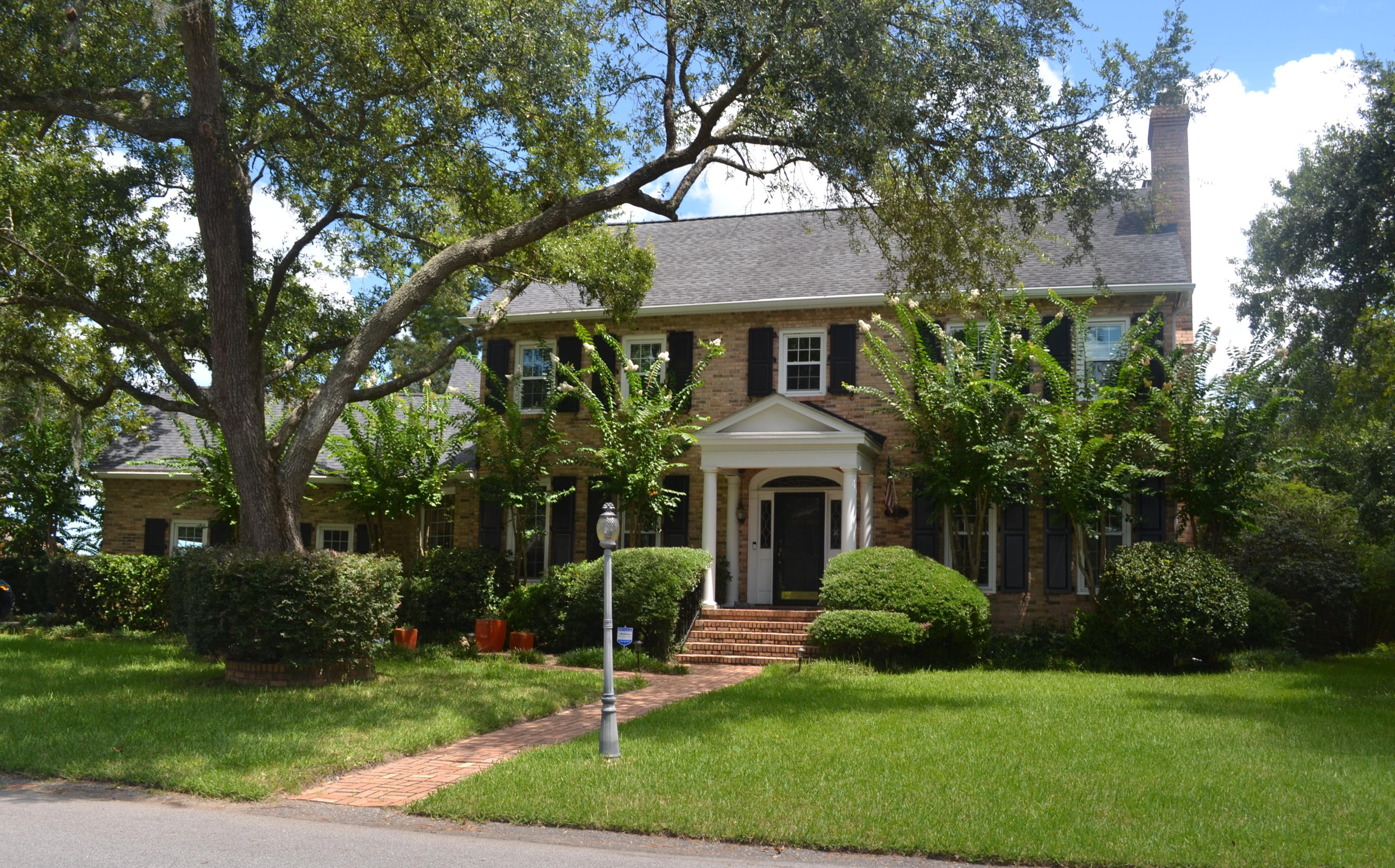 Photo of 13 Leichester Rd, Charleston, SC 29407