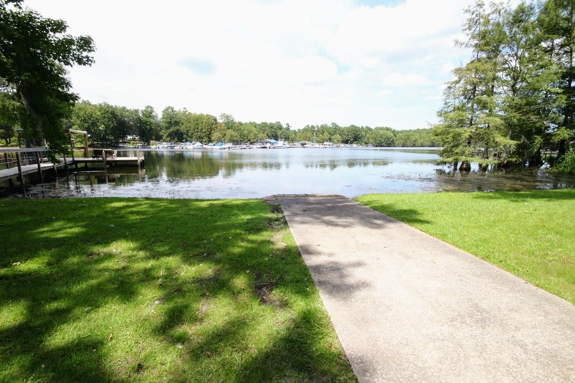Photo of 2042 Princess Pond Rd, Summerton, SC 29148