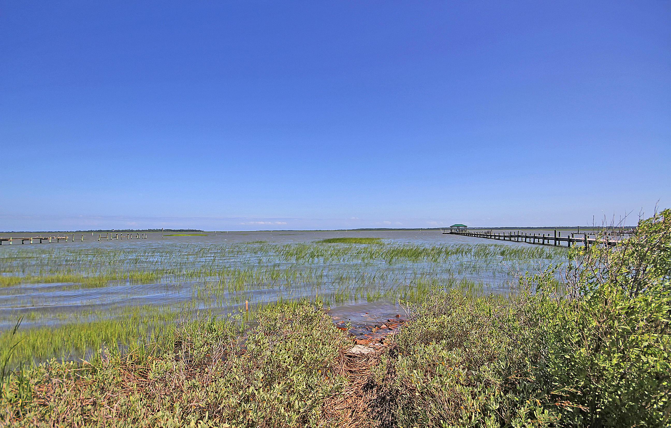 Photo of 918 W Oceanview Rd, Charleston, SC 29412
