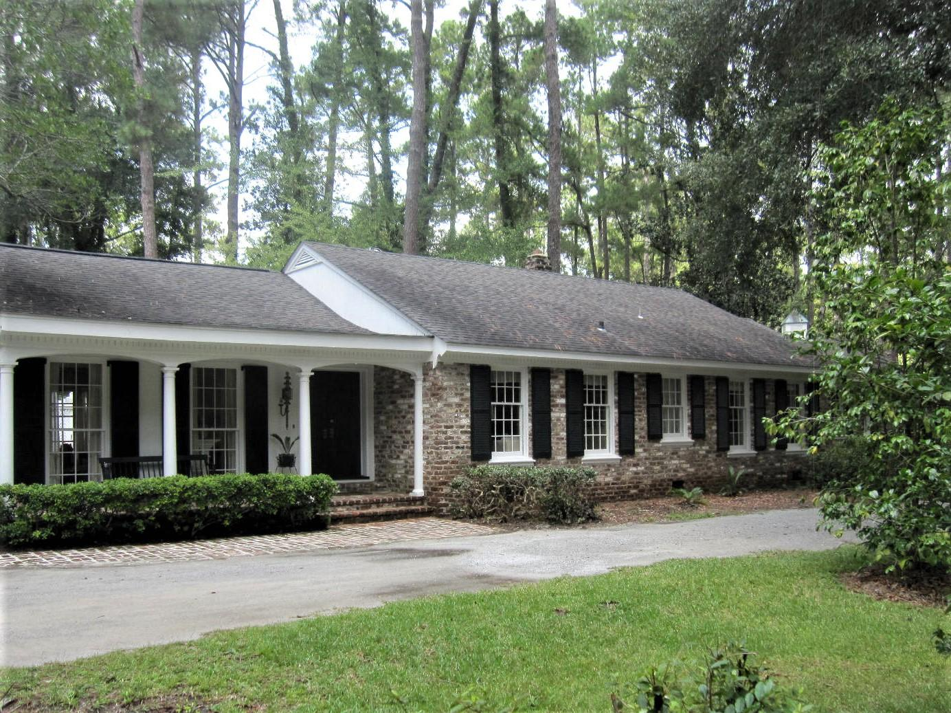 Photo of 1302 Ireland Hills Dr, Walterboro, SC 29488