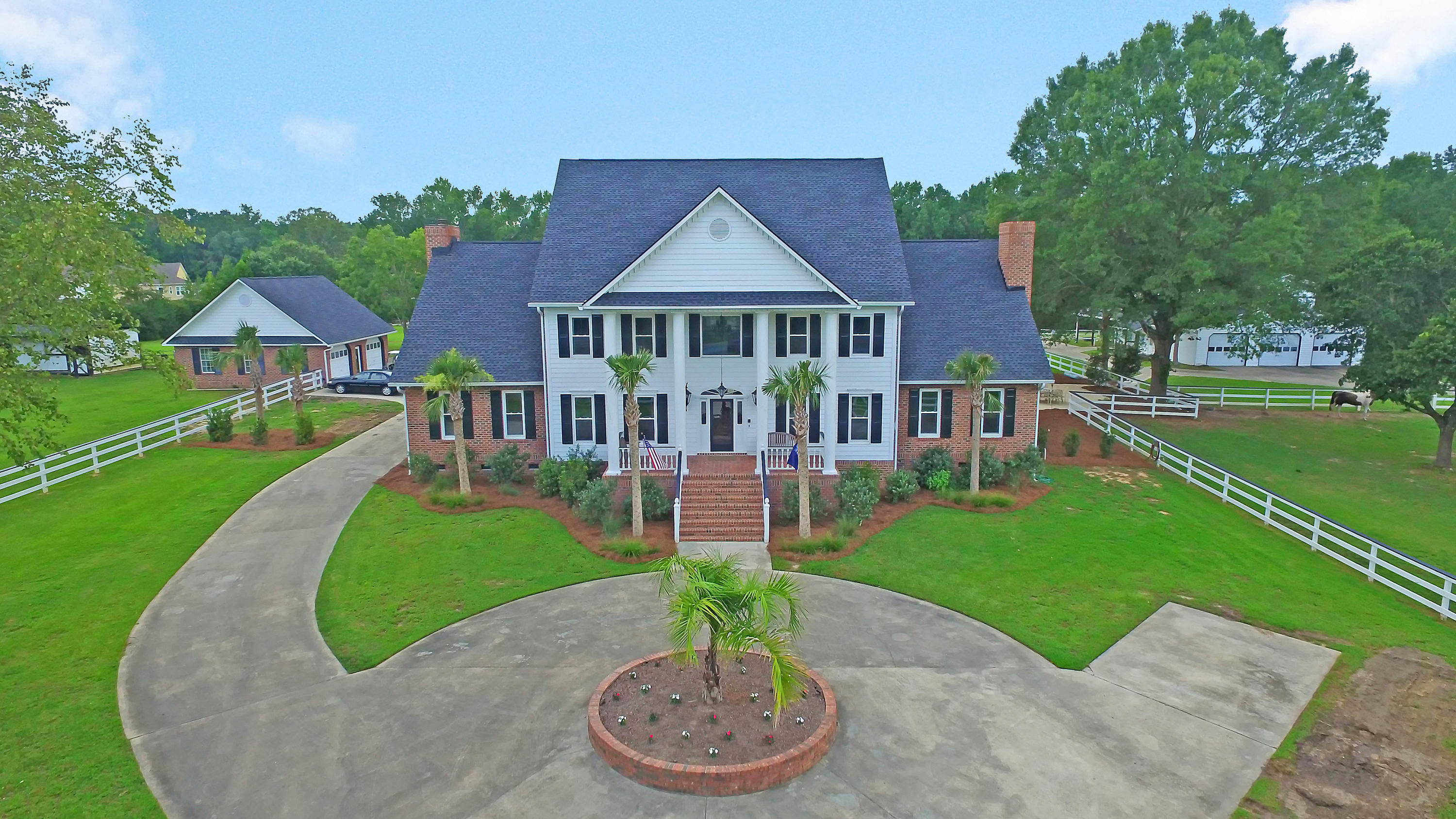 Home for sale 558 Butternut Road, Summerville, SC