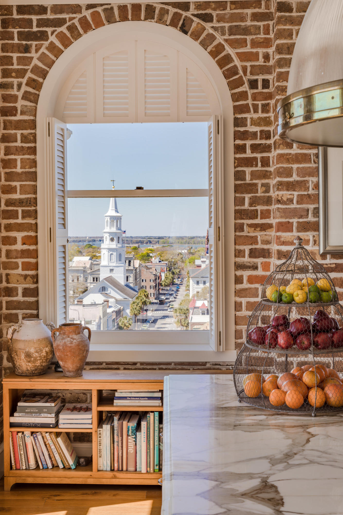 Photo of 18 Broad St, Charleston, SC 29401