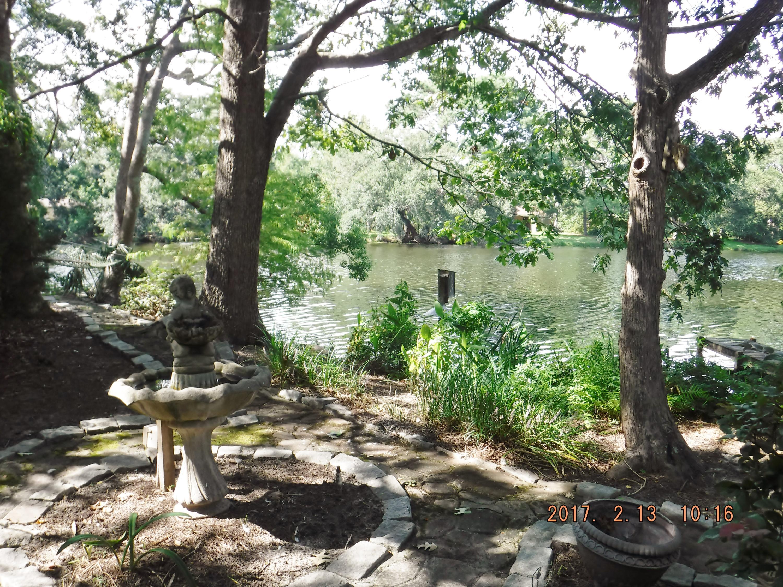 Photo of 665 Lake Frances Dr, Charleston, SC 29412