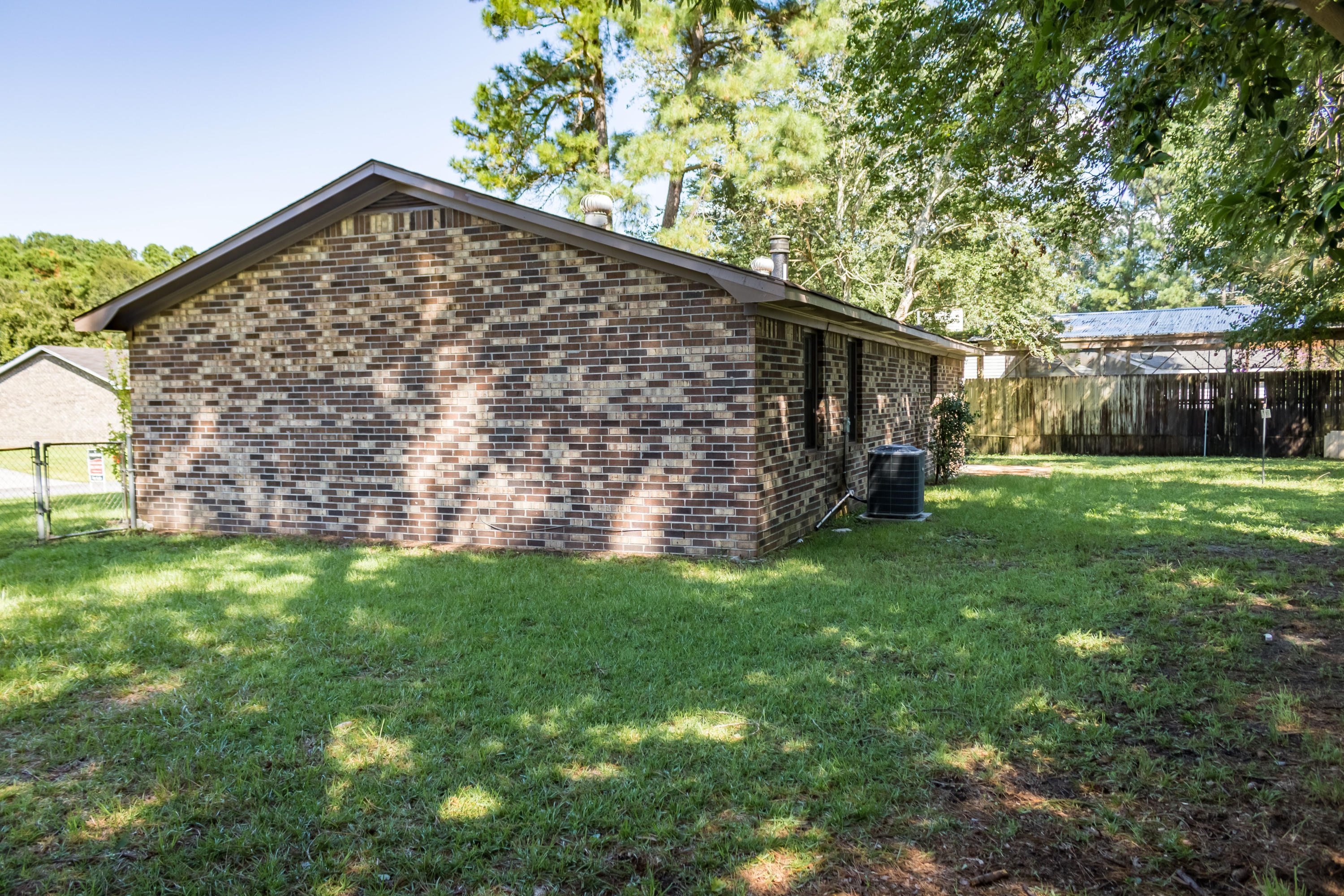 Photo of 116 Heather Dr, Summerville, SC 29483