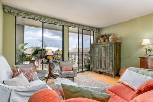 Home for Sale Concord Street, Dockside, Downtown Charleston, SC