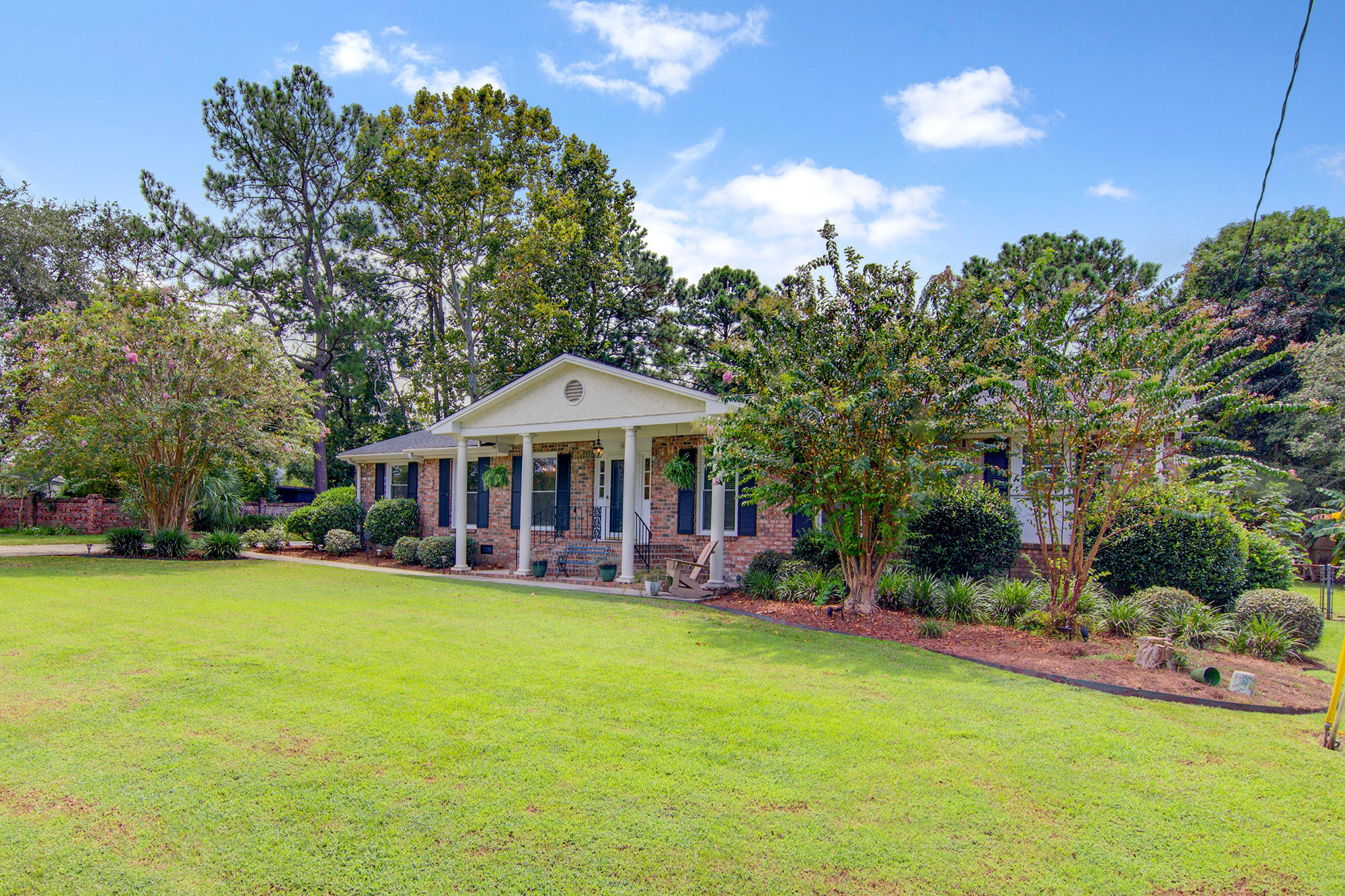 Photo of 45 Norview Dr, Charleston, SC 29407