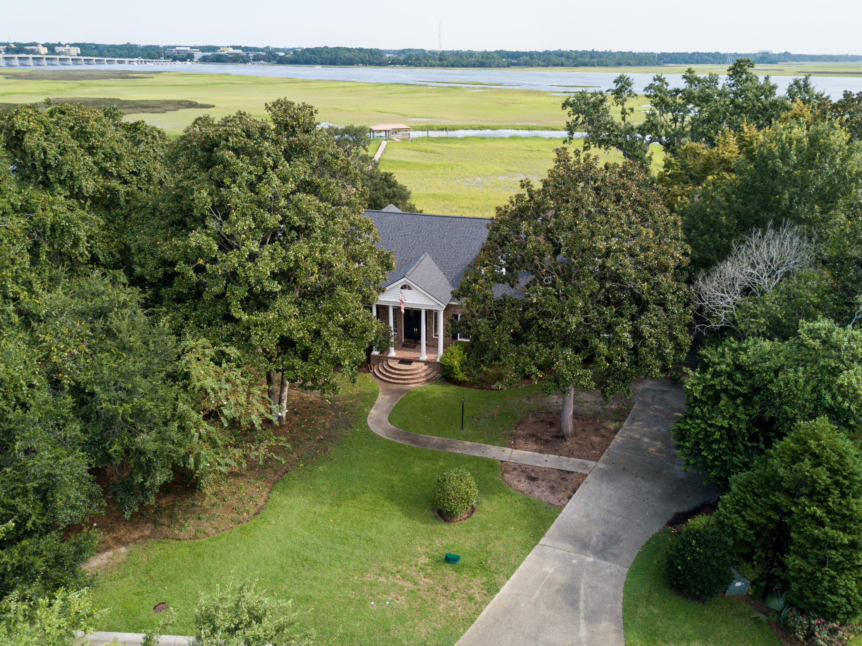 Photo of 1564 Spinnaker Ln, Charleston, SC 29407