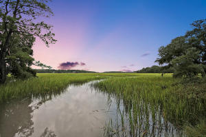 Waterfront homes in Edisto Island
