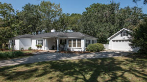 Photo of 1050 Cliffwood Drive, The Groves, Mount Pleasant, South Carolina