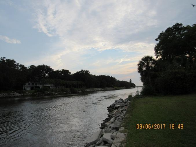 Photo of 1267 S Edgewater Dr, Charleston, SC 29407