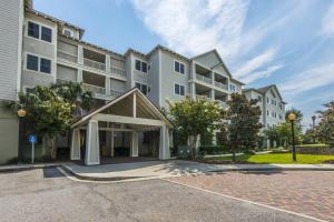 Home for Sale Folly Road, Pelican Pointe Villas, Folly Beach, SC