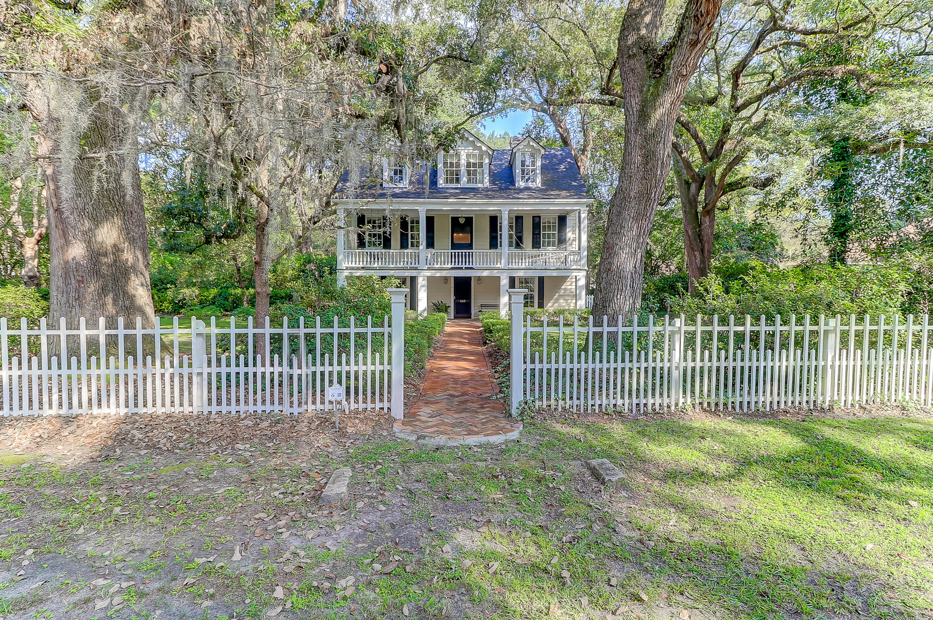 Photo of 408 Sumter Ave, Summerville, SC 29483