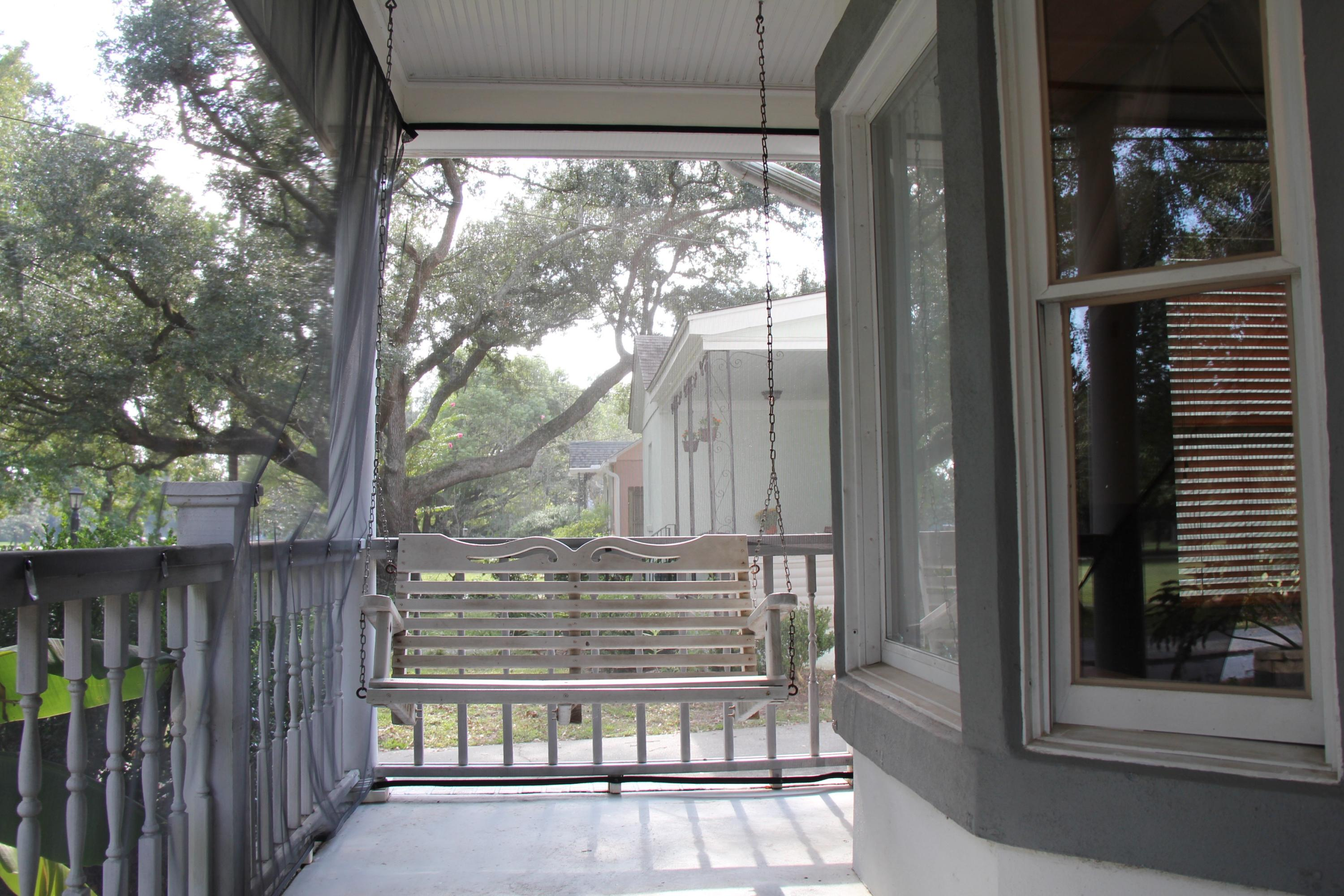 Photo of 2142 Golfview Dr, Charleston, SC 29412