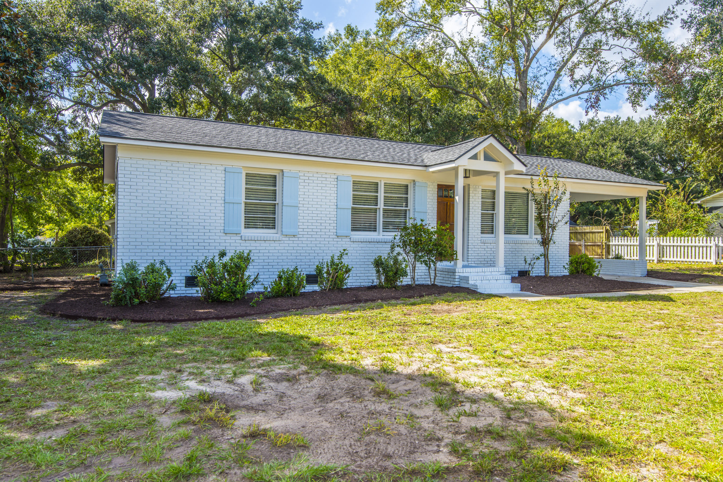West Glow Homes For Sale - 1125 Crull, Charleston, SC - 0