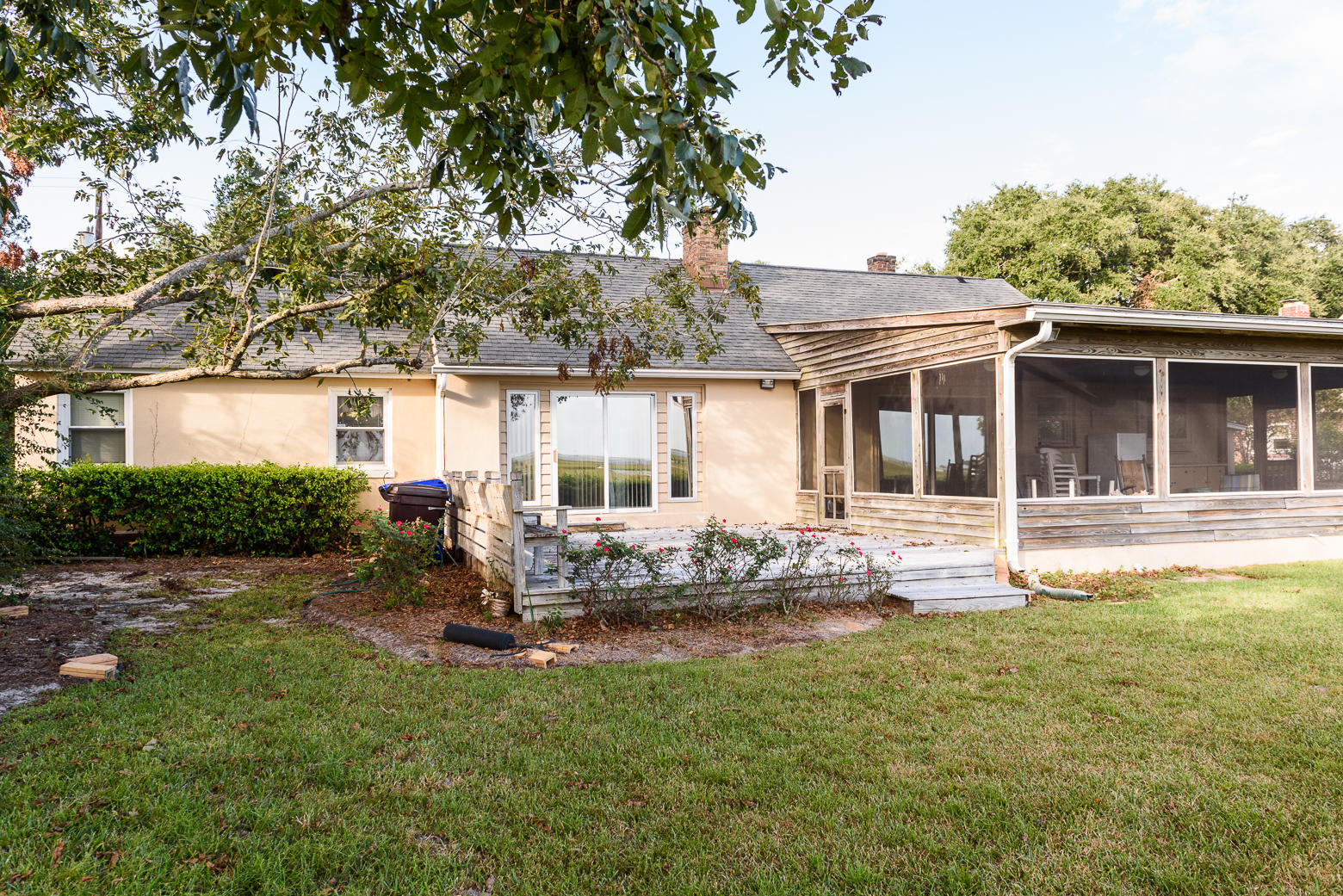 Photo of 315 Bayview Drive, Mt Pleasant, SC 29464