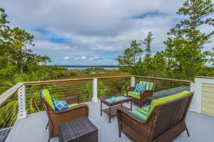 Home for Sale Lone Oak Point, Rivertowne Country Club, Mt. Pleasant, SC