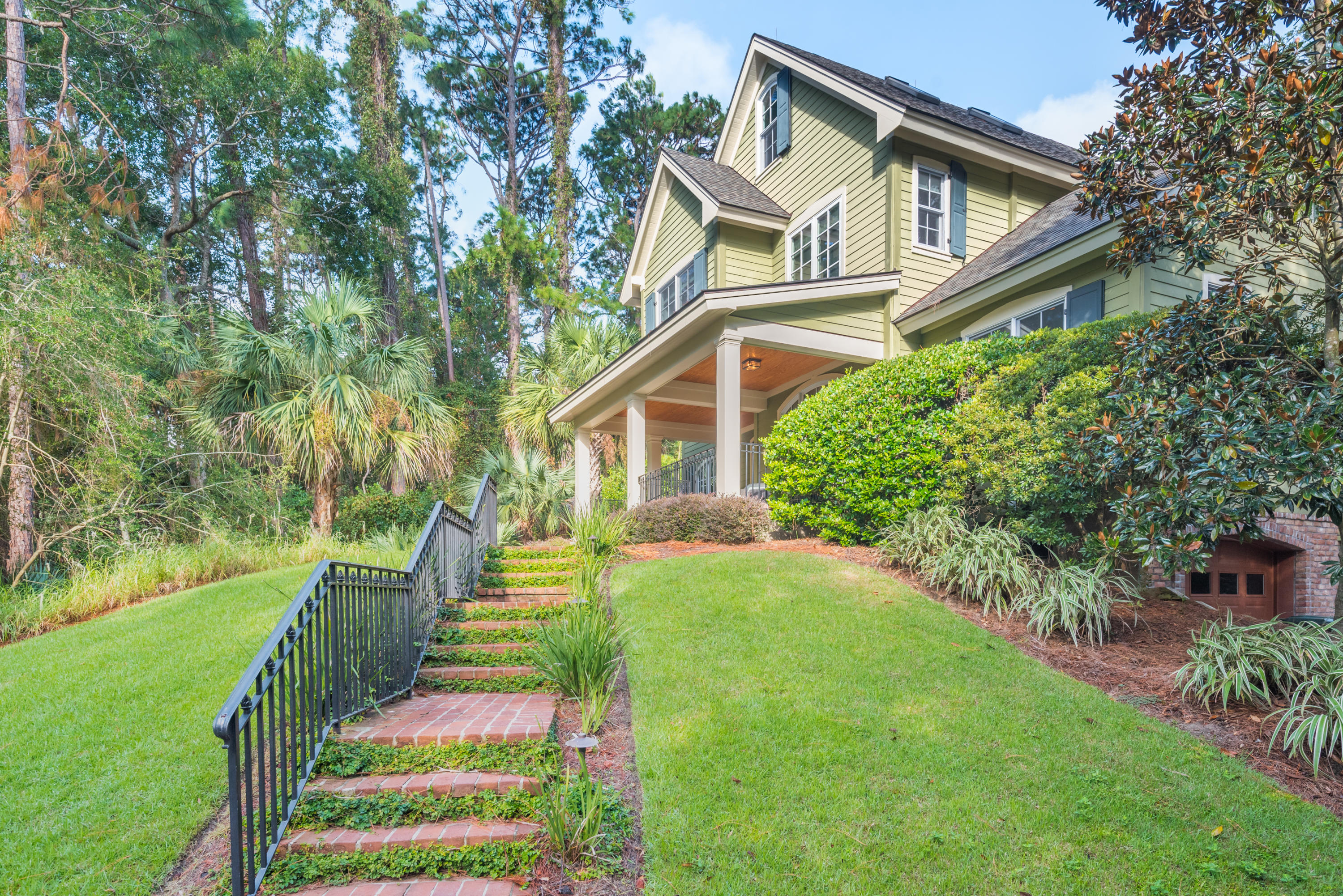 Photo of 137 Flyway Dr, Johns Island, SC 29455