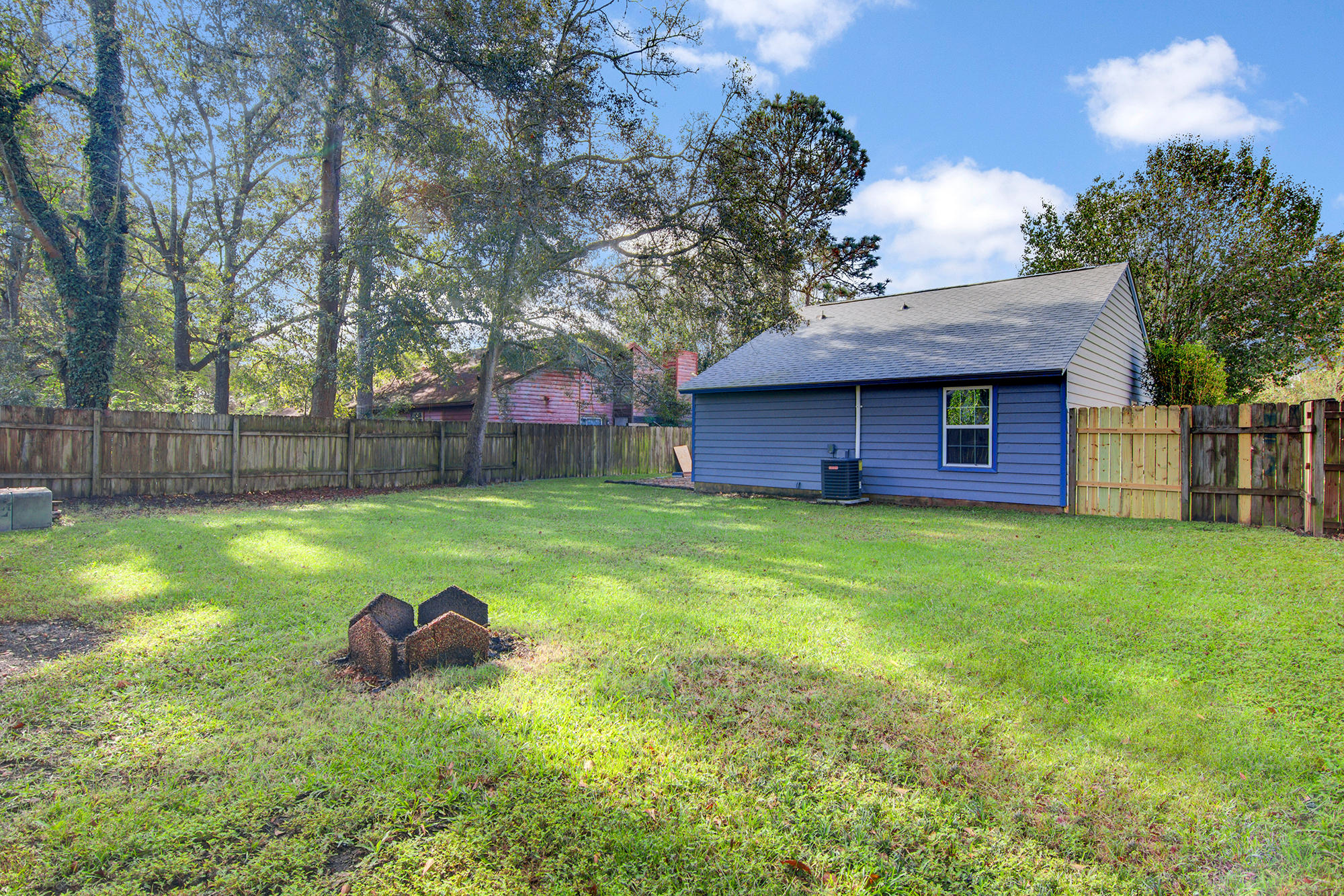 Photo of 106 Coventry Rd, Summerville, SC 29483