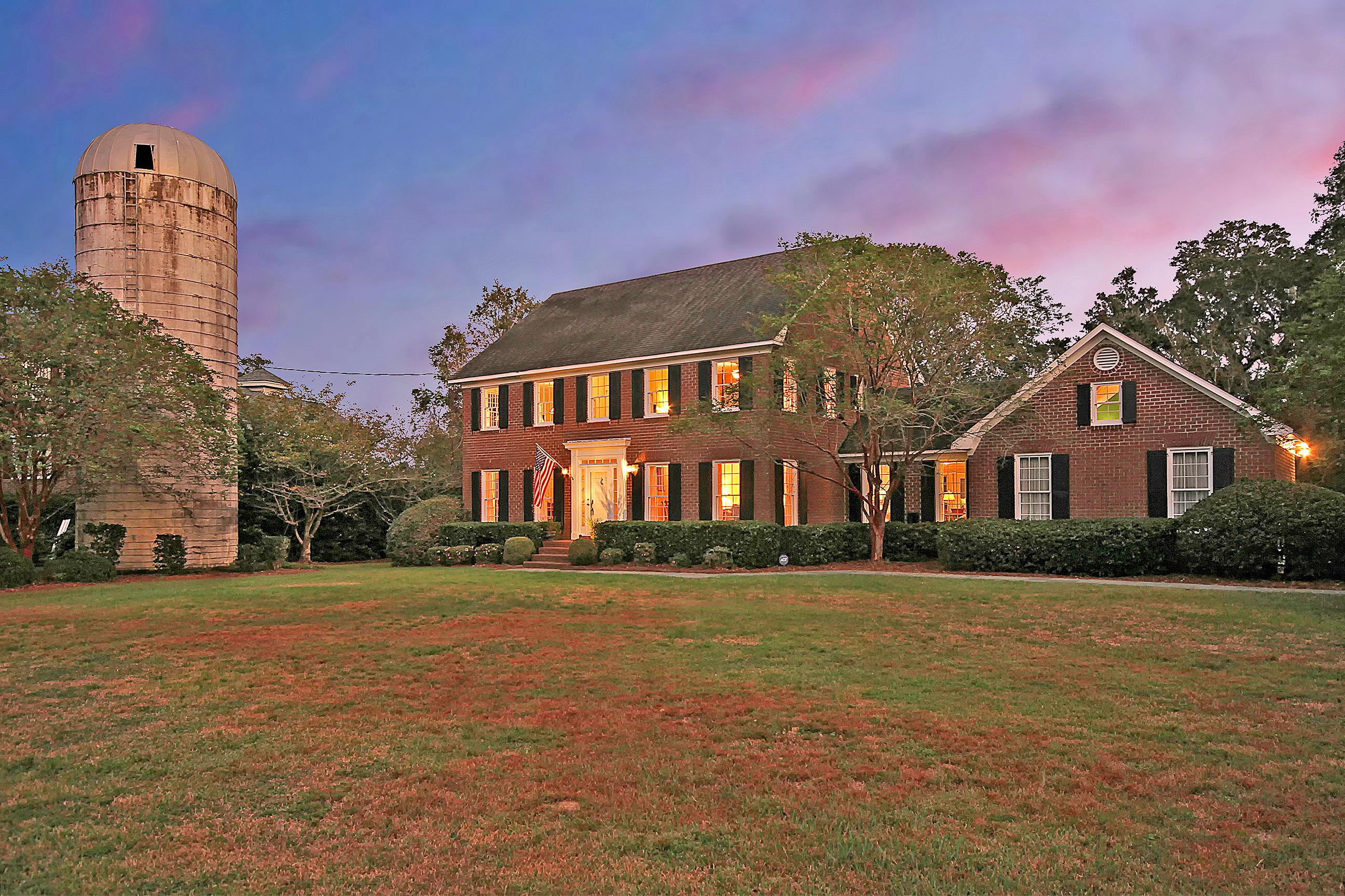 Photo of 915 Paul Revere Dr, Charleston, SC 29412