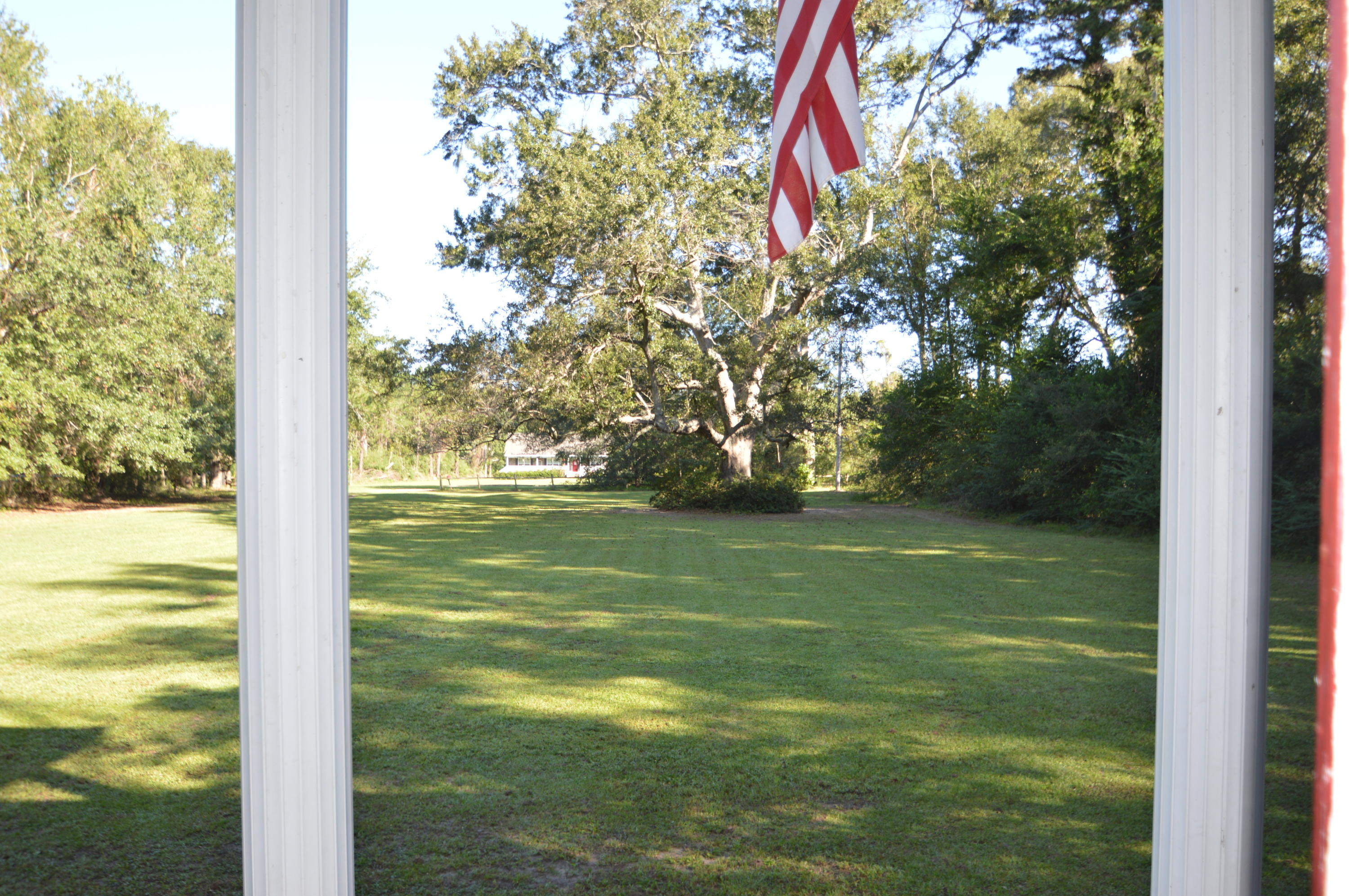 Photo of 2059 Bentz Rd, Wadmalaw Island, SC 29487