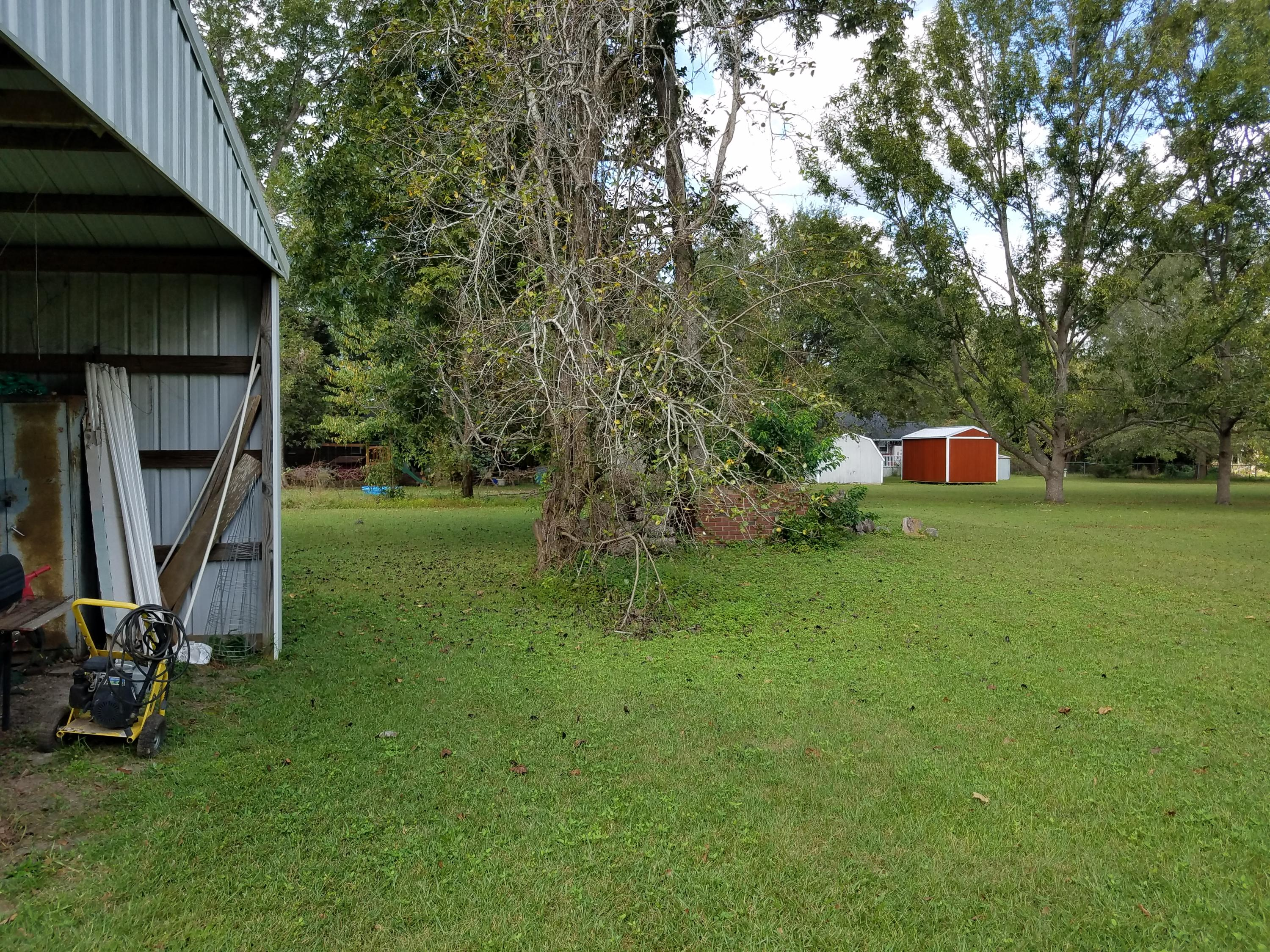 Photo of 113 Hutto Rd, Harleyville, SC 29448