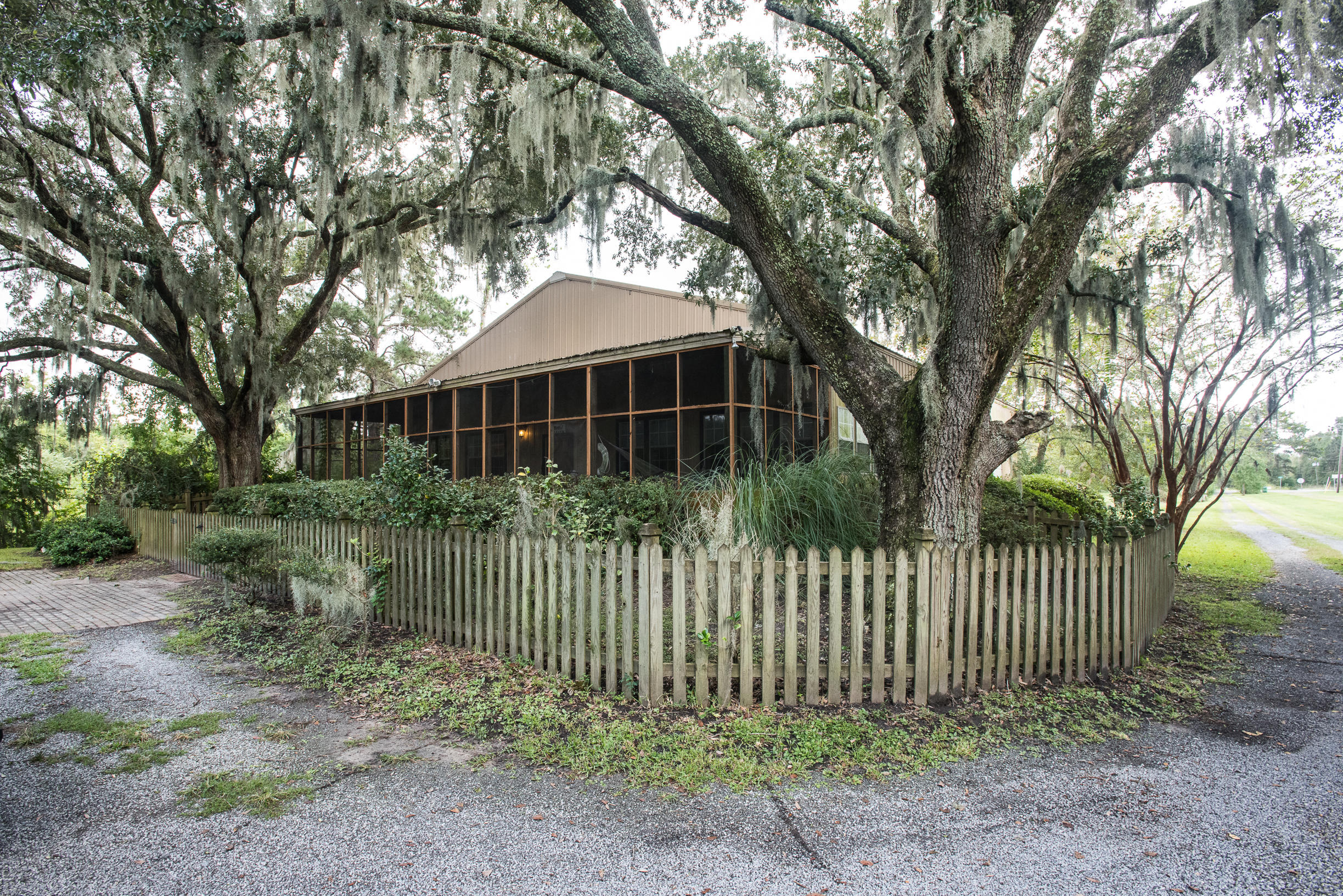 Photo of 1107 River Rd, Johns Island, SC 29455