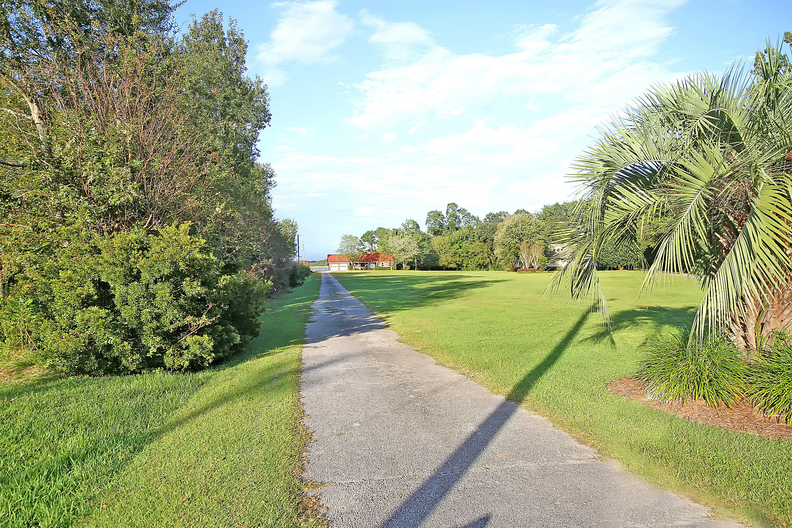 Photo of 937 River Rd, Johns Island, SC 29455