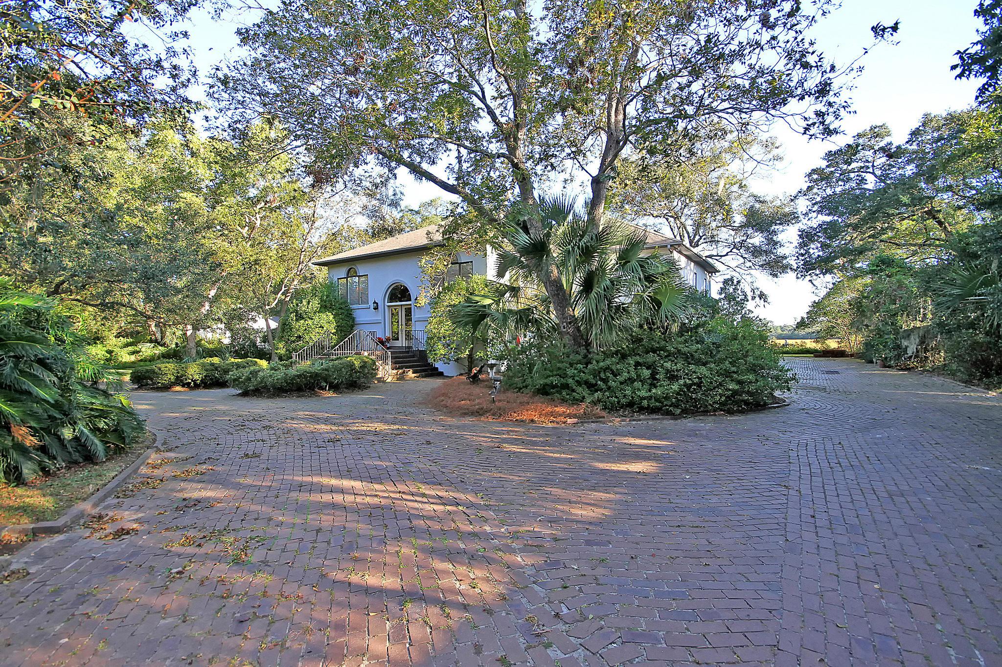 Photo of 1332 N Edgewater Dr, Charleston, SC 29407