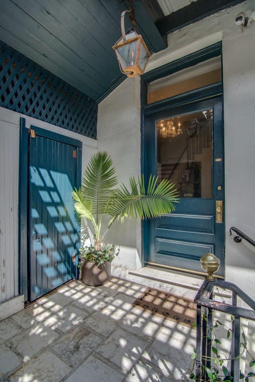 Photo of 27 State St, Charleston, SC 29401