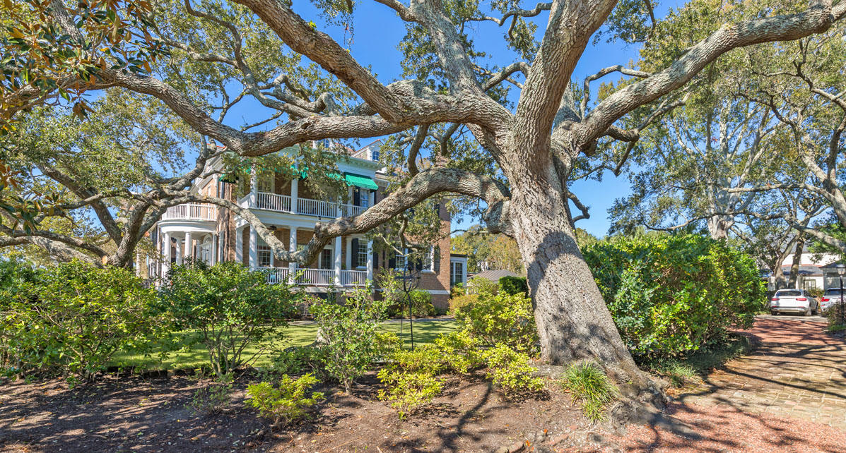Photo of 46 Murray Blvd, Charleston, SC 29401