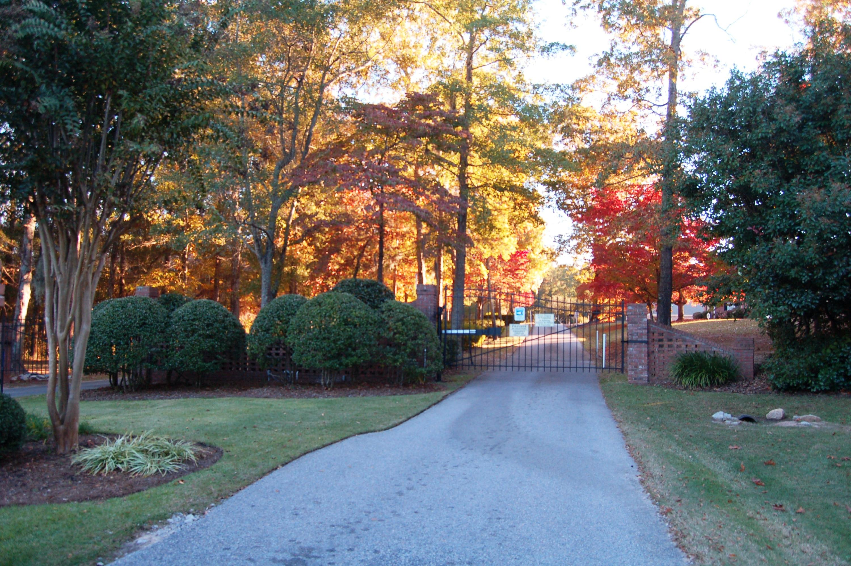 Photo of 512 Oak Hill Dr, Manning, SC 29102