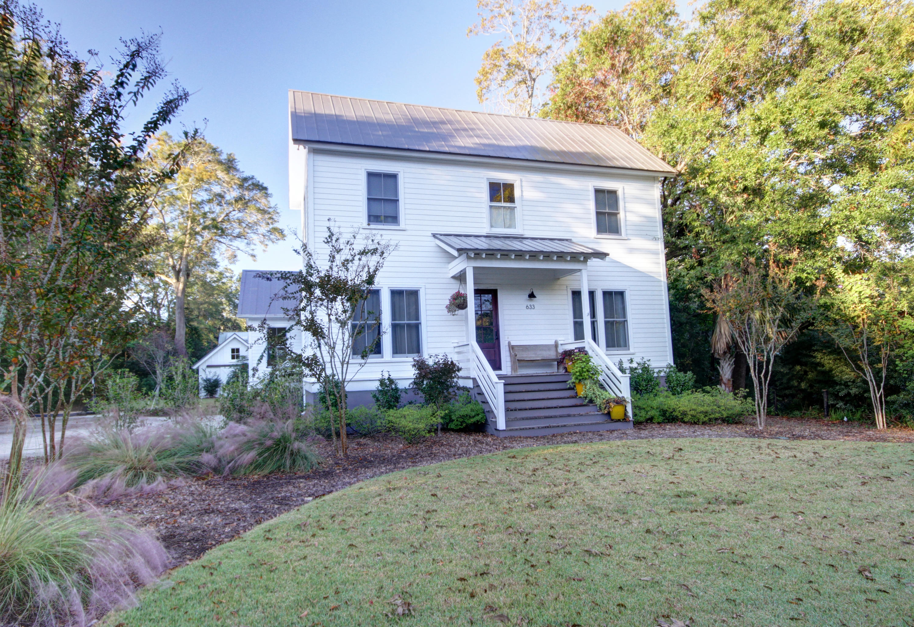 Photo of 633 Royall Ave, Mt Pleasant, SC 29464
