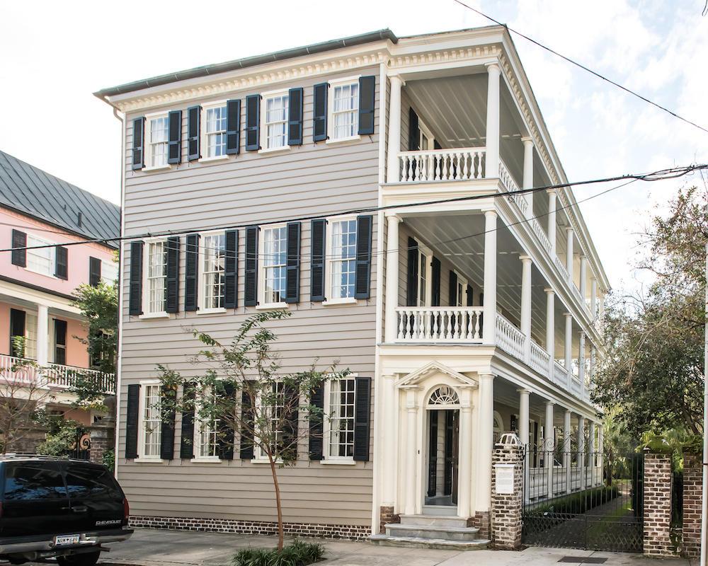 Photo of 125 Tradd St, Charleston, SC 29401