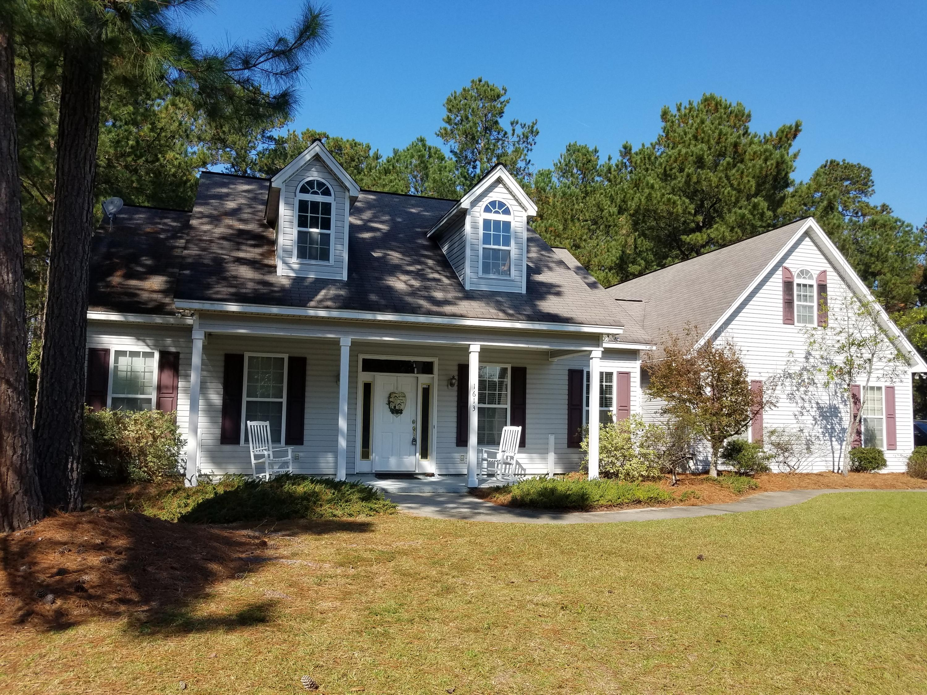 Photo of 1613 Windsor Ln, Moncks Corner, SC 29461